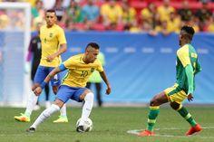 El brasileño Neymar Jr. en acción ante Sudáfrica. Getty