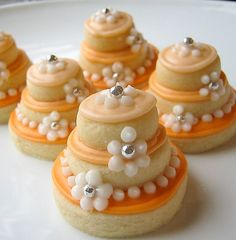 Cookies made into little cakes! What a great idea :)