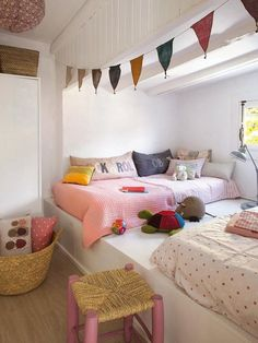cute kids sleepover friendly bedroom decor cool shared bedroom interior design or great space for living and sleeping in Cosy Reading Corner, Cozy Corner, Reading Nooks, Small Corner, Cozy Nook, Kids Corner, Deco Kids, Deco Design, Little Girl Rooms
