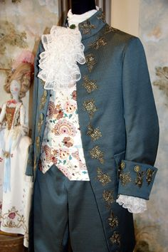 Costume 1770-1790 by Scatola Magica