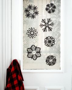 Paper Snowflake Patterns and Next Level Projects Making Paper Snowflakes, Paper Snowflake Patterns, Parol Diy, Christmas Star, Christmas Crafts, Paper Punch, White Snowflake, How To Make Paper, Apartment Therapy