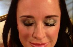 Kyle Richards Real Housewives of Beverly Hills Gold Reunion Eyeshadow Kyle Richards Gold Reunion Eyeshadow RT @thierrypourtoy: kyle s make up on the reunion Eyes all MAC mix 3 to 4 eyeshadows on the lid Honey lust mythologie .... pat down the Antique gold glitter, Bare Escentuals