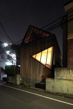 Jun Aoki - I house, Tokyo 2001.