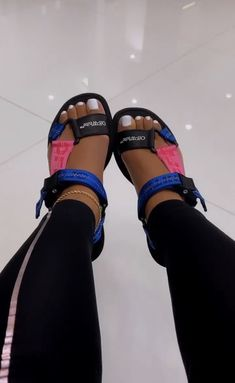 Cute Sneakers, Shoes Sneakers, Sneakers Fashion, Fashion Shoes, Swag Shoes, Baskets, Aesthetic Shoes, Fresh Shoes, Hype Shoes