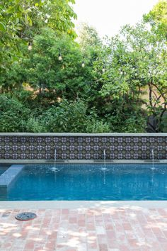 Pool Waterline Tile - Clay Imports Swimming Pool Tiles, Swimming Pools Backyard, Garden Pool, Pool Landscaping, Spanish Backyard, Spanish Pool, Waterline Pool Tile, Pool Fountain, Fountain House