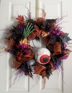 Halloween Spooky Wreath, Halloween decor, Halloween party decorations, Halloween wreathes, front door wreath, skeleton, skull, spider by Leopard on Etsy