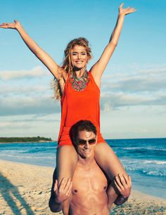 The latest campaign from H&M really captures the spirit of the perfect beach house outing. Supermodel Doutzen Kroes and photographer Terry Richardson should