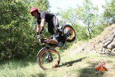 Eric, trialiste, photographe, vidéaste et surtout passionné ! Motorcycle, Vehicles, Photography, Biking, Motorcycles, Motorbikes, Engine, Vehicle