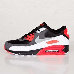 Pink and Black Nike Air Max Motion 2 Sneakers NIKE Babyshop