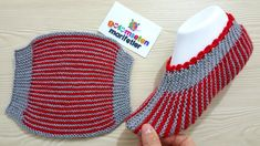 How to Make Stripes Slippers - Her Crochet Knit Slippers Free Pattern, Knitted Slippers, Crochet Slippers, Knit Crochet, Baby Hats Knitting, Knitting Socks, Striped Slippers, Knitting Patterns, Clothing Alterations