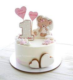 Likes, 87 Comments - Marina Chernysheva (Marina) on Ins . Fondant Cake Designs, Fondant Cakes, Cupcake Cakes, 1st Birthday Cake For Girls, Baby Birthday Cakes, Royal Icing Cakes, Buttercream Cake, Pretty Cakes, Cute Cakes