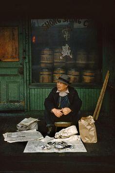 Fred Herzog ( nació el 21 de septiembre de 1930, en Stuttgart, Alemania) es un fotógrafo conocido principalmente por sus foto...