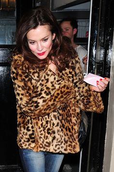 Anna Friel leaves Theatre Royal