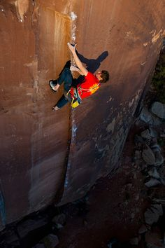 """Arc'athlete Will Stanhope on """"Down in Albion"""" (photo by Andrew Burr)  i don't see any ropes.  what courage"""