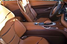 cadillac-elmiraj-concept-reveal-front-seats Photo