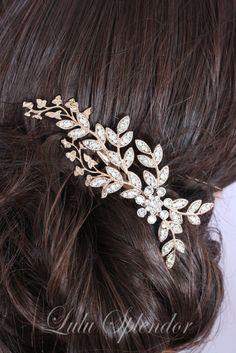 Un bellissimo nuovo premium couture Rose Gold pettine da Lulu splendore. Questo fatto a mano e unico accessorio nuziale capelli può essere indossati