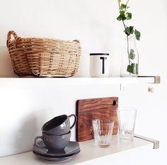 > shelfs <