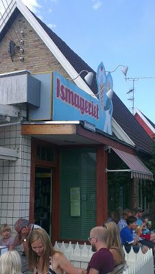 Ismageriet serves summer's best ice cream, according to the Klidmoster.dk blog.  This little shop is in an old bakery on Kondelundsvej in Copenhagen. Don't forget the 'guf'!