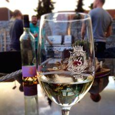 Chillin' n grillin' with Wein von 3 #bbq #germany  #glass #wine #weinvon3 http://weinvon3.de