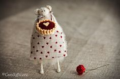 Valentine's Gift-Rat with Cherry Pie and Rose-Knitted Animal-Home Decoration-Heart-St Valentine's Day-Art Mouse Doll-Love-Candyfleece-UK