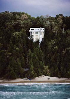 """urbnite: """"Douglass House by Richard Meier """""""