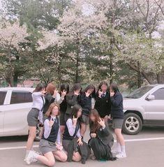 Beat Friends, Cute Friends, Ulzzang Couple, Ulzzang Girl, Ulzzang Korea, Age Of Youth, Korean Best Friends, Girl Friendship, Role Player