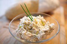 Eine variable Creme aus Feta, Thunfisch und gutem Olivenöl ...