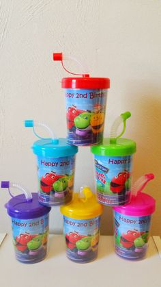 Package Includes: • 6 Chuggington Personalized Party Favor Sippy Cups • Inserts are printed on High Quality Photo Paper and laminated for protection. • Inserts