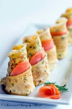 Dill Crepes with Smoked Salmon. Delicate thin dill crepes with smoked salmon make absolutely impressive irresistibly delicious appetizer for your cocktail party! Yummy Appetizers, Appetizer Recipes, Avacado Appetizers, Prociutto Appetizers, Smoked Salmon Appetizer, Mexican Appetizers, Halloween Appetizers, Salmon Canapes, Easy Canapes