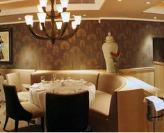 Signature Restaurant is the most exciting fashionable fine dining restaurant in Gauteng,boasting an exquisite menu, with a local and international wine list