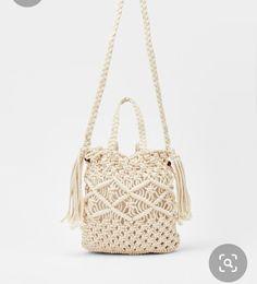 Macrame Bag, Macrame Knots, Cross Shoulder Bags, Round Bag, Round Round, Macrame Design, Macrame Projects, Macrame Patterns, Cross Body Handbags