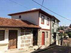 Restauramos uma moradia no centro histórico de Guimarães. #restauro #casasantigas #centroshistóricos
