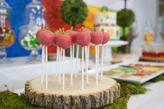 Fraldas & Rabiscos: Festa de aniversário: The Very Hungry Caterpillar!