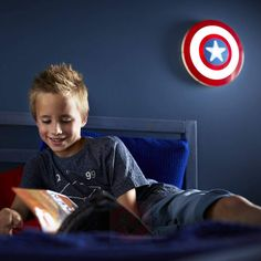 This cool Marvel Captain America Shield Wall Light is cordless, battery operated and stays cool to touch, making it child safe. Avengers Bedroom, Marvel Avengers, Marvel Comics, Captain America Shield, Bedroom Accessories, 3d Wall, Guardians Of The Galaxy, Iron Man