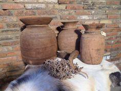 Houten decoratie vaas. Houten vazen voor inspiratie retro, vintage en brocante stijl