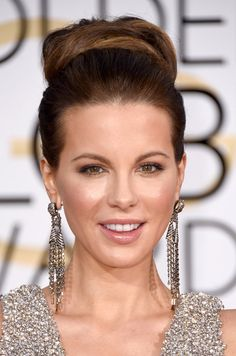 Pin for Later: The Best Shoes, Bags, and Jewels From the 2015 Golden Globes  Kate Beckinsale's Bulgari earrings enhanced the sparkle of her gown.
