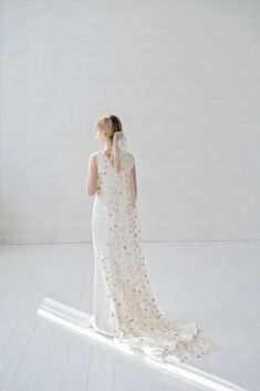 Astrea - single tier narrow veil with stars Veil, Sequins, Pure Products, Stars, Wedding Dresses, How To Wear, Color, Fashion, Bride Dresses