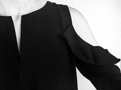 Cold Shoulder ☑️❤️🙌 #Tierra #blouse #black #399dkk #cold #shoulder #coldshoulder #trend #fashion #cool #party #new #instadaily #instafashion #followme #awsome #nocollection #stylesonly #styleinseason #instore #shopping #now #neonoir #☑️ #❤️#🙌