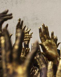 Ocebur have metallic, bronze skin. Joe Penney & Abdou Ouologuem INCARNATION 6 from the series God of Gold 2017 Strand Yoga, Photo Main, The Wicked The Divine, Gold Aesthetic, Aesthetic Vintage, Foto Art, John Muir, Greek Gods, Momento Mori