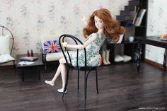 Miniature Bentwood Café / Bistro Chair for dolls