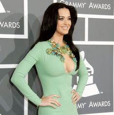 The highlight of the 2013 Grammys was Katy Perry! But after chatting with various dudes who watched the very boring 2013 grammys, we all agree that Katy Perry stole the show. Katy Perry Legs, Katy Perry Hot, Beautiful Celebrities, Gorgeous Women, Katy Perry Bikini, Katy Perry Pictures, Divas, Curvy, Look Alike
