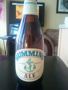 I absolutely adore the labels this company has on its beer bottles. I was lucky to try a bit of this Anchor Brewing's Humming Ale that . Mead Beer, Anchor Brewing, American Beer, Ipa, Craft Beer, Beer Bottle, Robin, Bottles, Adventure