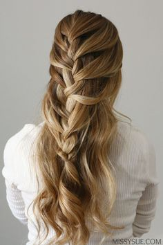 French braids will forever be a classic. They are the next step up from a regular braid and can be worn in a number of different styles. This half up version is simple, quick, and a fab way to get the hair off of your face. Being a new mom, I am always pulling my hair back throughout the day and this style is perfect for accomplishing just that but in a much cuter way. With a more casual, bohemian vibe, this half up french braid will always be a clean look you can go back to over and over…