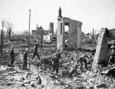 British troops pick through the ruins of Namsos, April 1940. This Day in History:  Apr 9, 1940: Germany invades Norway and Denmark in Operation Weserübung http://dingeengoete.blogspot.com/
