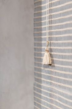 Handwoven blinds in cumare fiber and stainless steel threads #Handwoven #Handmade #Blinds #Curtains #Textiles Window Treatments, Hand Weaving, Art Pieces, Fiber, Textiles, Handmade, Blinds Curtains, Stainless Steel, Farmhouse Rugs
