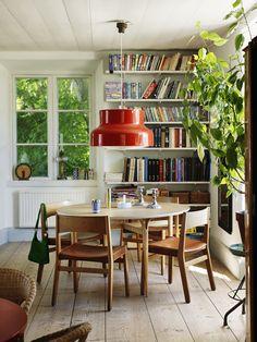 Elle Interiör - Åsa Lindström - sehr schön, weil schlicht und grün und mit vielen Büchern