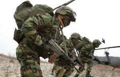 South Korean Army 02. ROKs are some hard dudes, believe it. yes they are. ROKs rock.