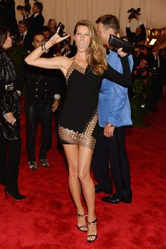 Gisele Bundchen in Anthony Vaccarello