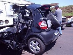 pictures of wrecks due to using cell phones | Texting :: The University of Texas of the Permian Basin