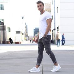 White T-shirt & jeans. Today style for men